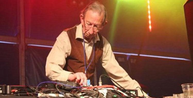 DJ Derek_750